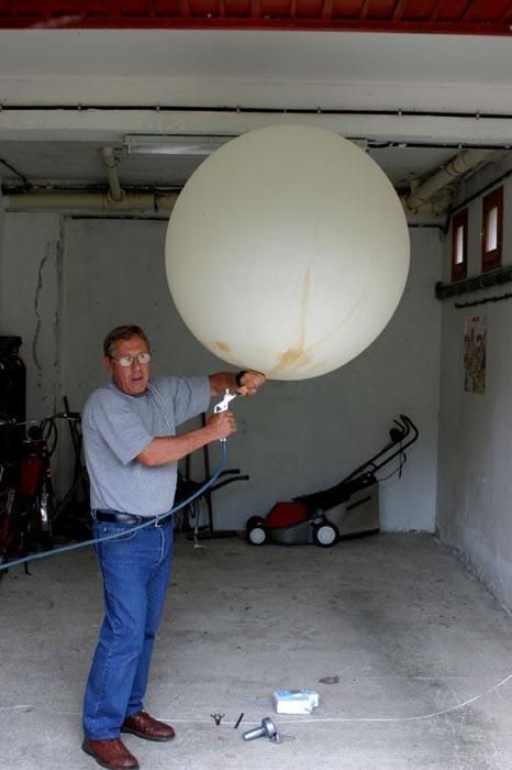ramon-inflando-el-globo