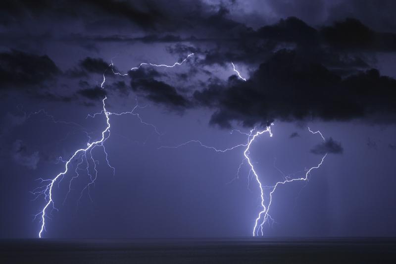 rayos-sobre-el-mar