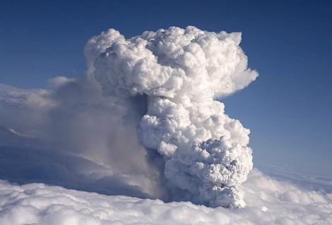 nube-volcanica
